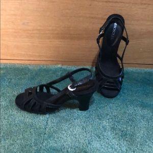 Aerosoles Black Sandals Size 8